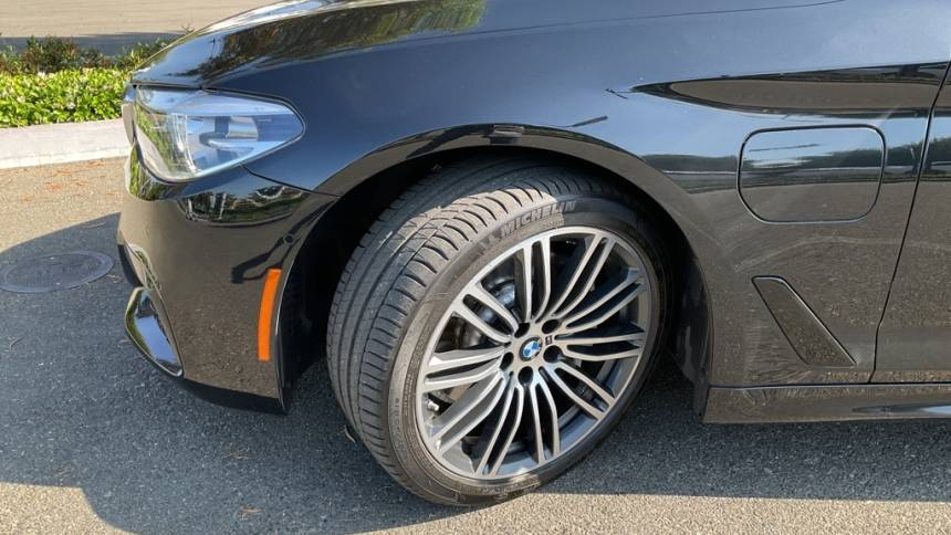 2018 BMW 5 Series WBAJA9C52JB250775
