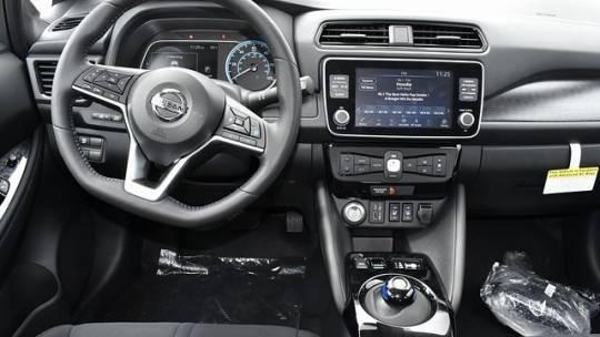2021 Nissan LEAF 1N4AZ1CV4MC555485