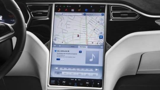 2019 Tesla Model X 5YJXCDE4XKF185462