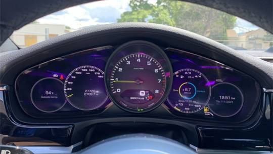 2018 Porsche Panamera WP0AE2A77JL130029