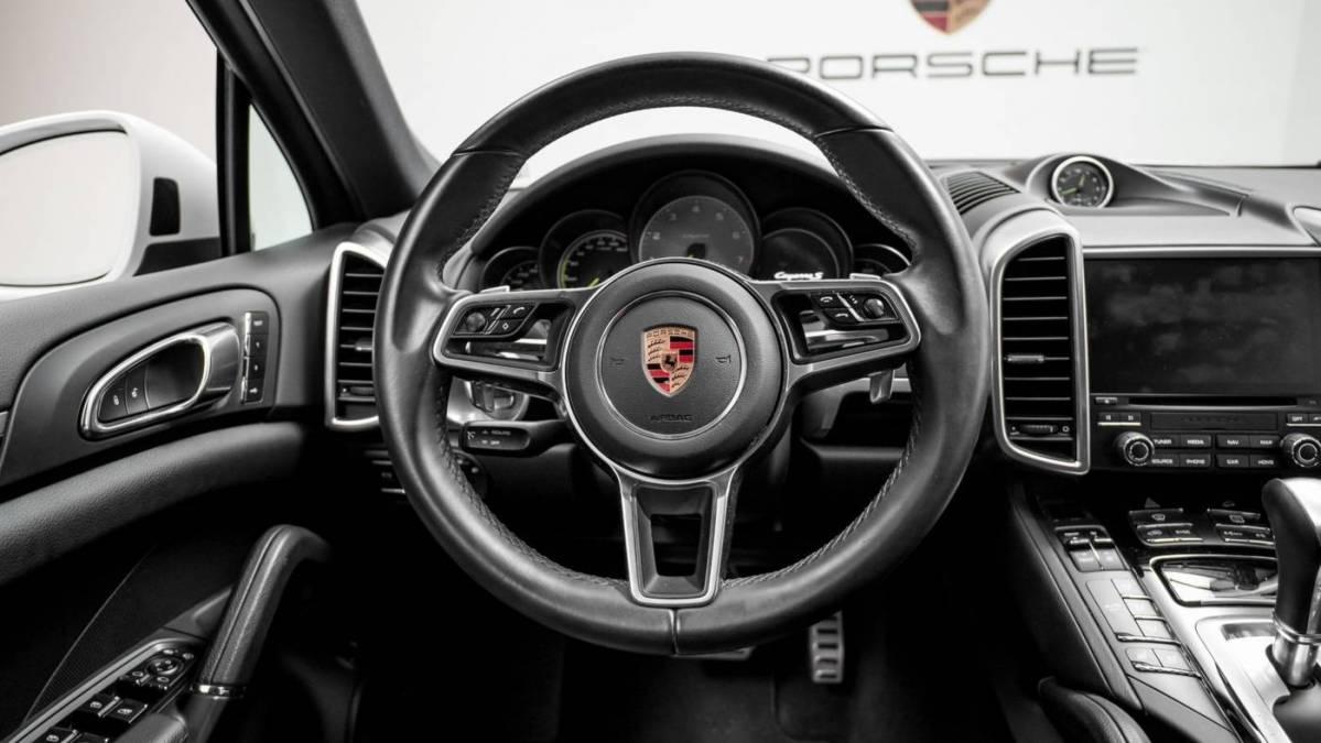 2018 Porsche Cayenne WP1AE2A23JLA70060