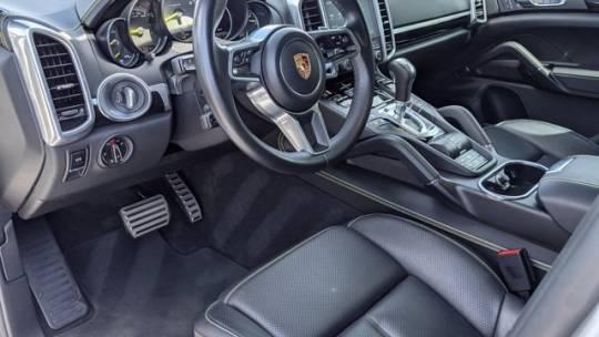 2017 Porsche Cayenne WP1AE2A27HLA68614