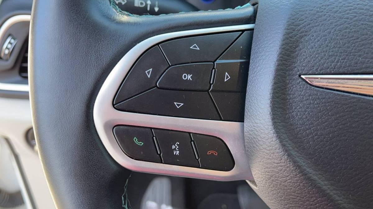 2018 Chrysler Pacifica Hybrid 2C4RC1L78JR118429