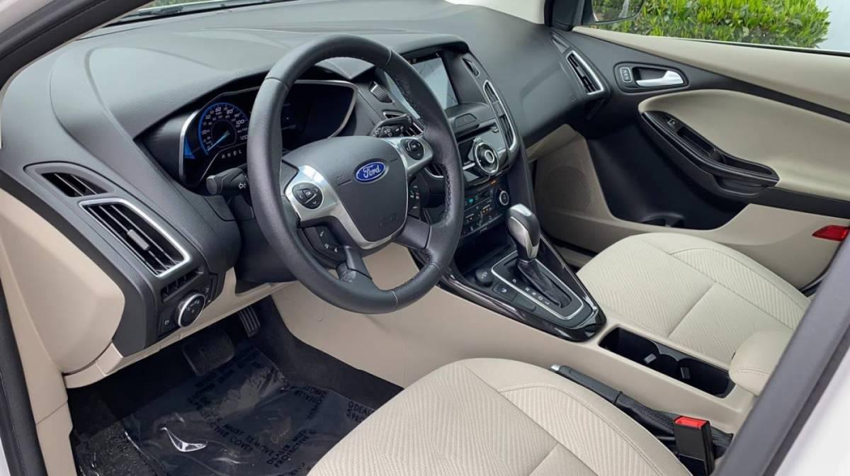 2018 Ford Focus 1FADP3R40JL241499