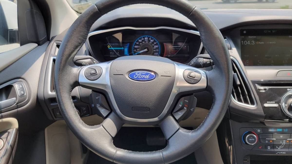 2017 Ford Focus 1FADP3R49HL269148
