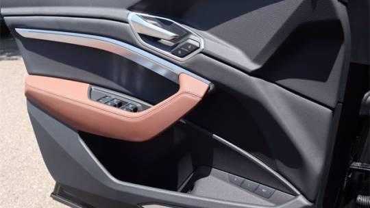 2021 Audi e-tron WA1LAAGE2MB013354
