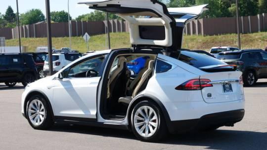 2016 Tesla Model X 5YJXCBE4XGF000354