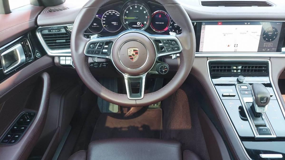 2018 Porsche Panamera WP0AE2A79JL129898