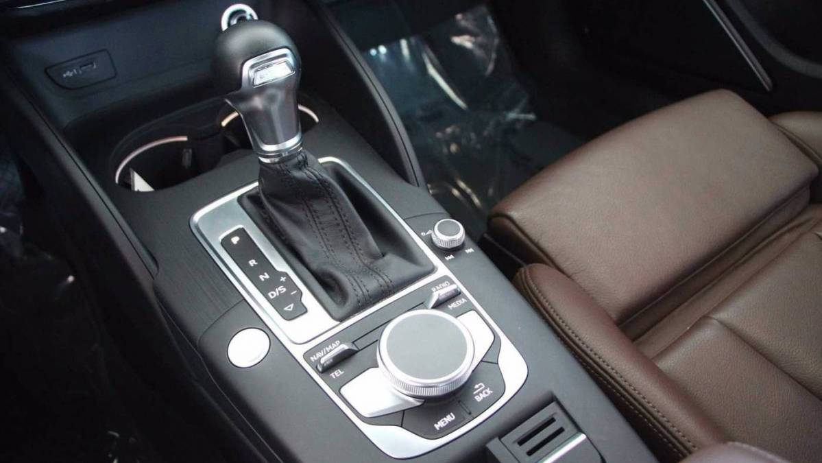 2018 Audi A3 Sportback e-tron WAUTPBFF5JA055407