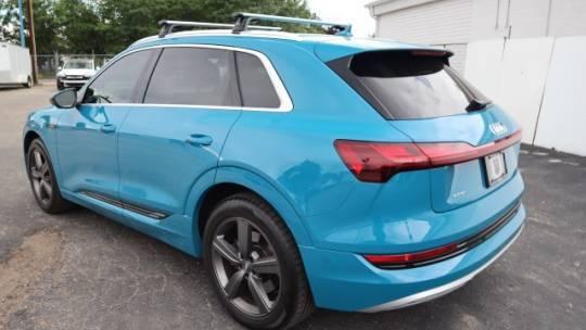 2019 Audi e-tron WA1LAAGE2KB011925