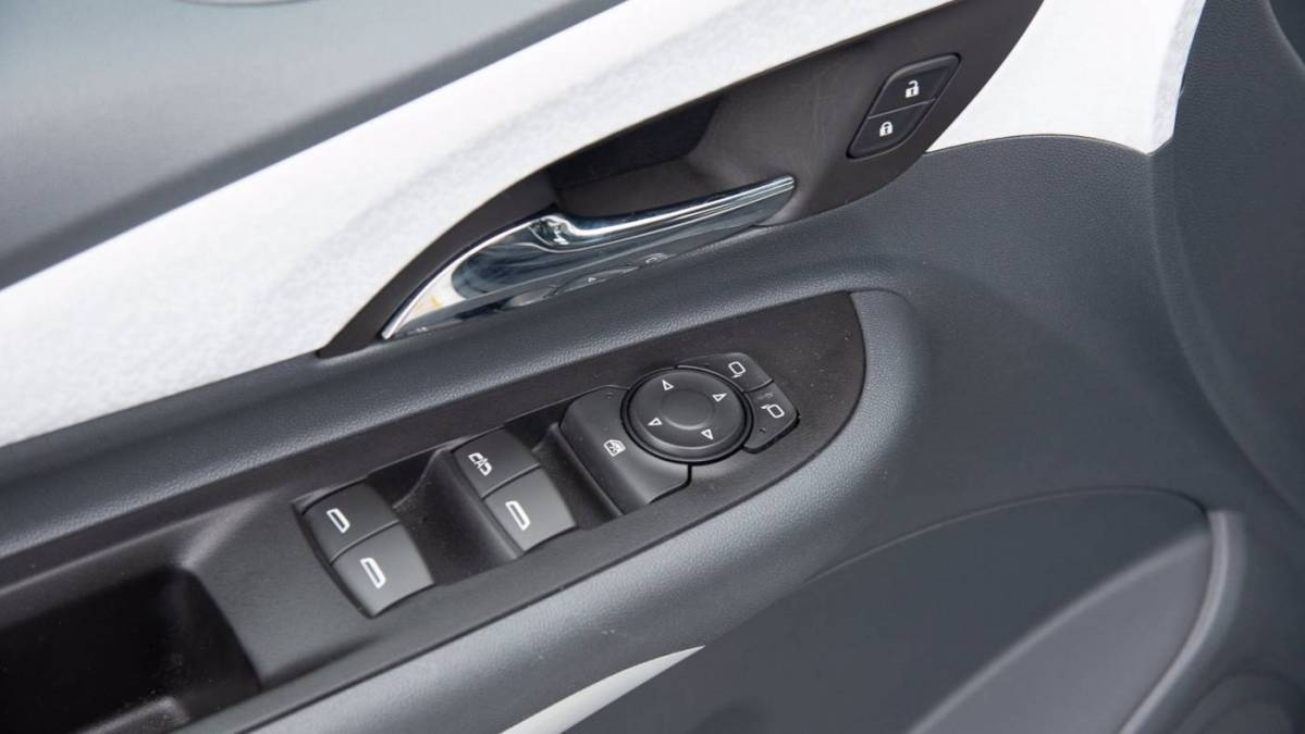 2018 Chevrolet Bolt 1G1FX6S02J4119483