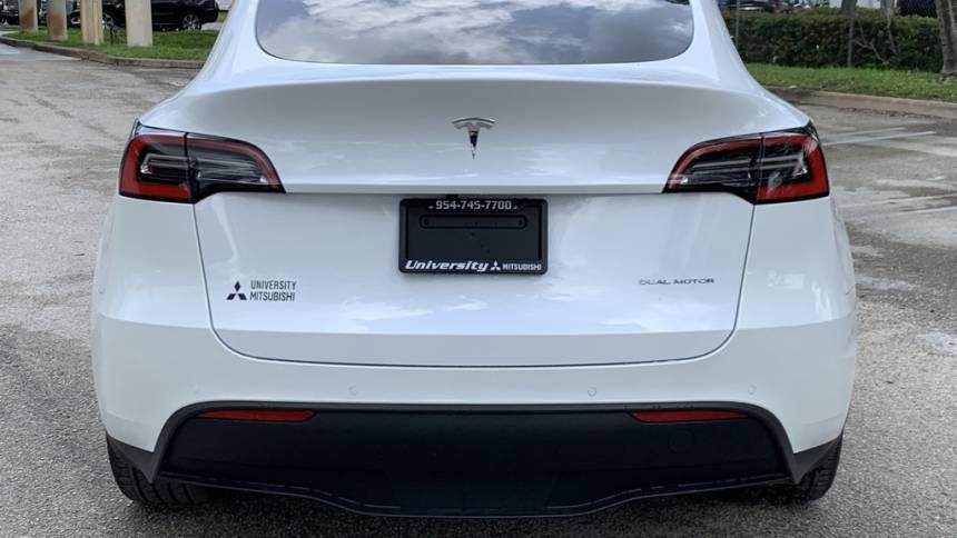 2020 Tesla Model Y 5YJYGDEE7LF043881