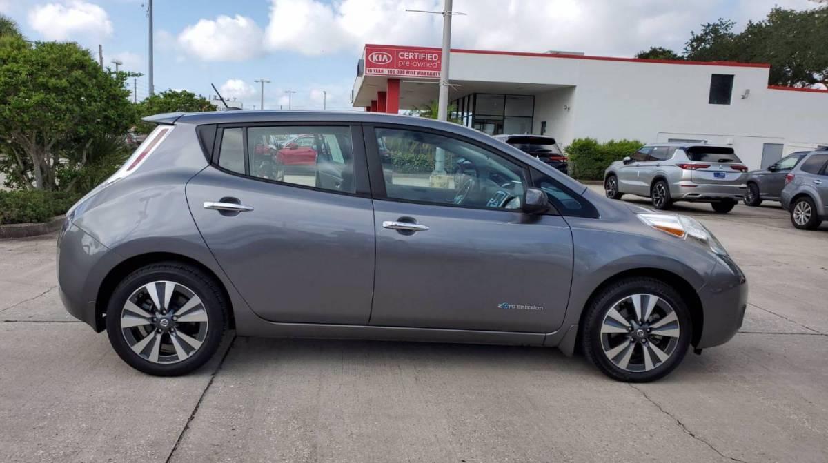 2017 Nissan LEAF 1N4BZ0CP6HC303033