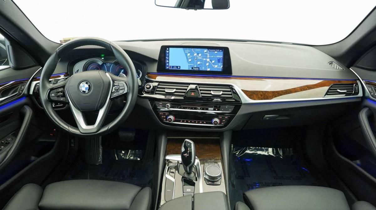 2018 BMW 5 Series WBAJA9C57JB250643