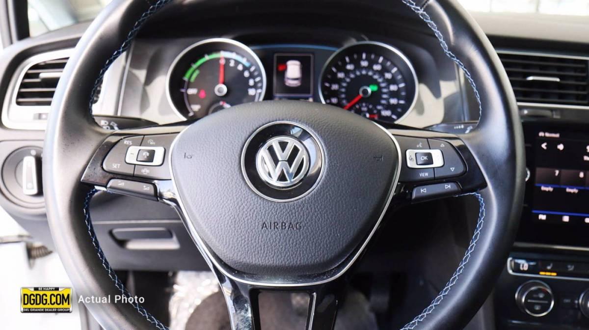 2019 Volkswagen e-Golf WVWKR7AU5KW919307