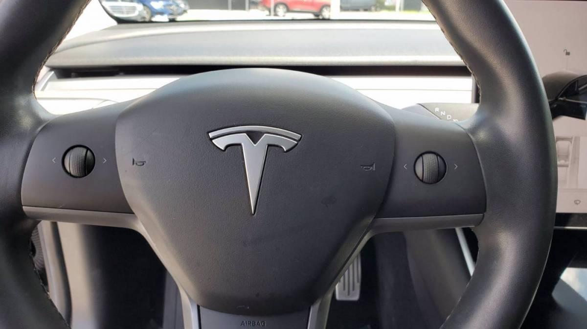 2018 Tesla Model 3 5YJ3E1EB8JF118590