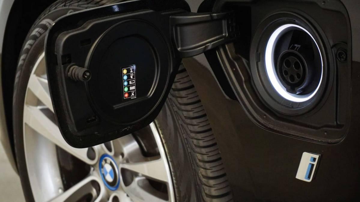 2018 BMW 3 Series WBA8E1C54JA178357