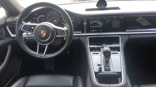 2018 Porsche Panamera WP0AE2A79JL129576