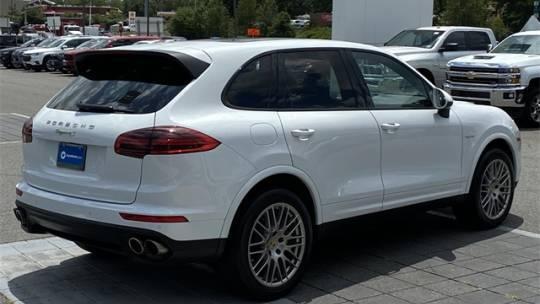 2017 Porsche Cayenne WP1AE2A2XHLA68333