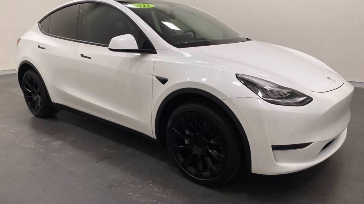 2021 Tesla Model Y 5YJYGDEE7MF088532