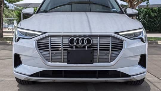 2021 Audi e-tron WA1LAAGE8MB017439