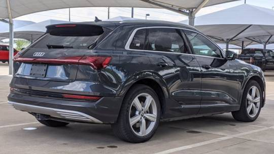 2019 Audi e-tron WA1VAAGEXKB018470