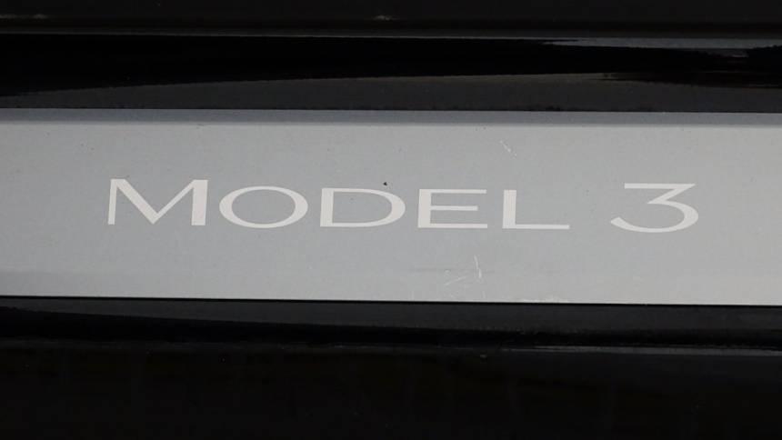 2018 Tesla Model 3 5YJ3E1EA5JF123303