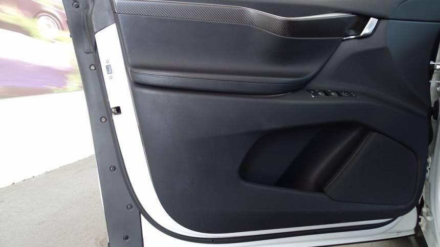 2017 Tesla Model X 5YJXCBE27HF056252