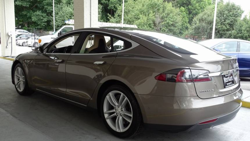2015 Tesla Model S 5YJSA1S10FF100370