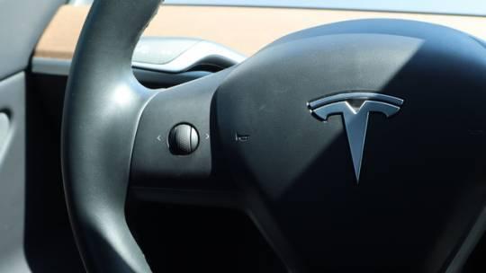 2019 Tesla Model 3 5YJ3E1EA7KF399709