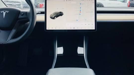 2018 Tesla Model 3 5YJ3E1EA4JF061148