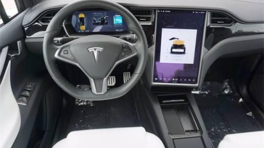 2020 Tesla Model X 5YJXCBE4XLF237954