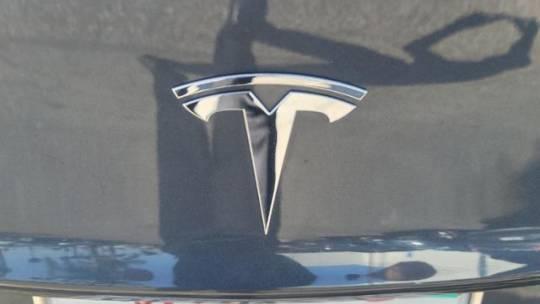 2018 Tesla Model 3 5YJ3E1EAXJF014223