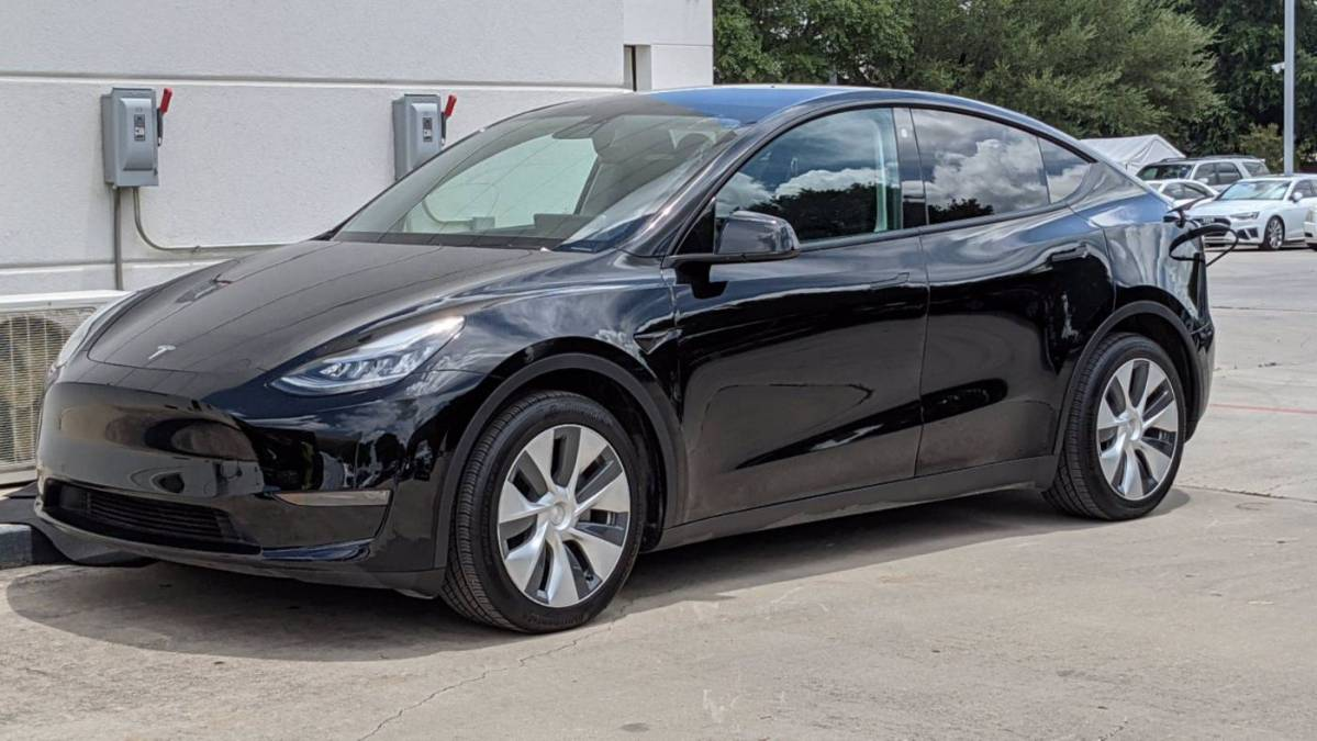 2021 Tesla Model Y 5YJYGDEE0MF067893
