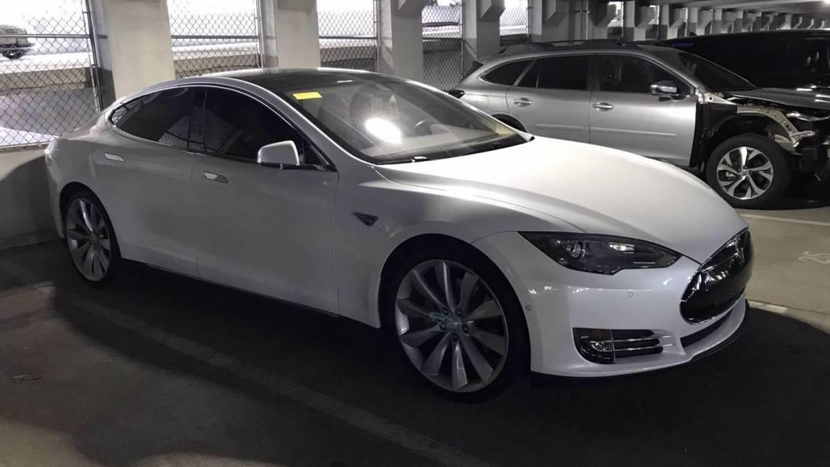 2014 Tesla Model S 5YJSA1H10EFP55960