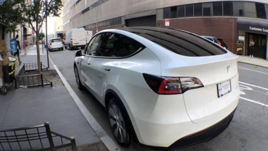 2021 Tesla Model Y 5YJYGDEEXMF063608