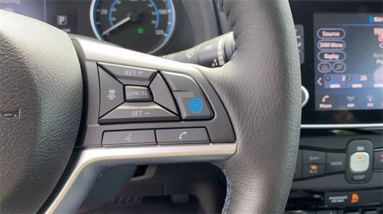 2021 Nissan LEAF 1N4AZ1CV5MC556371