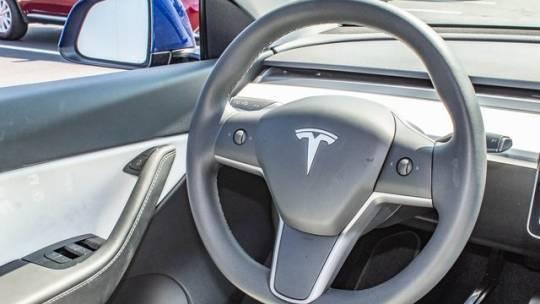 2020 Tesla Model Y 5YJYGDEE0LF031121