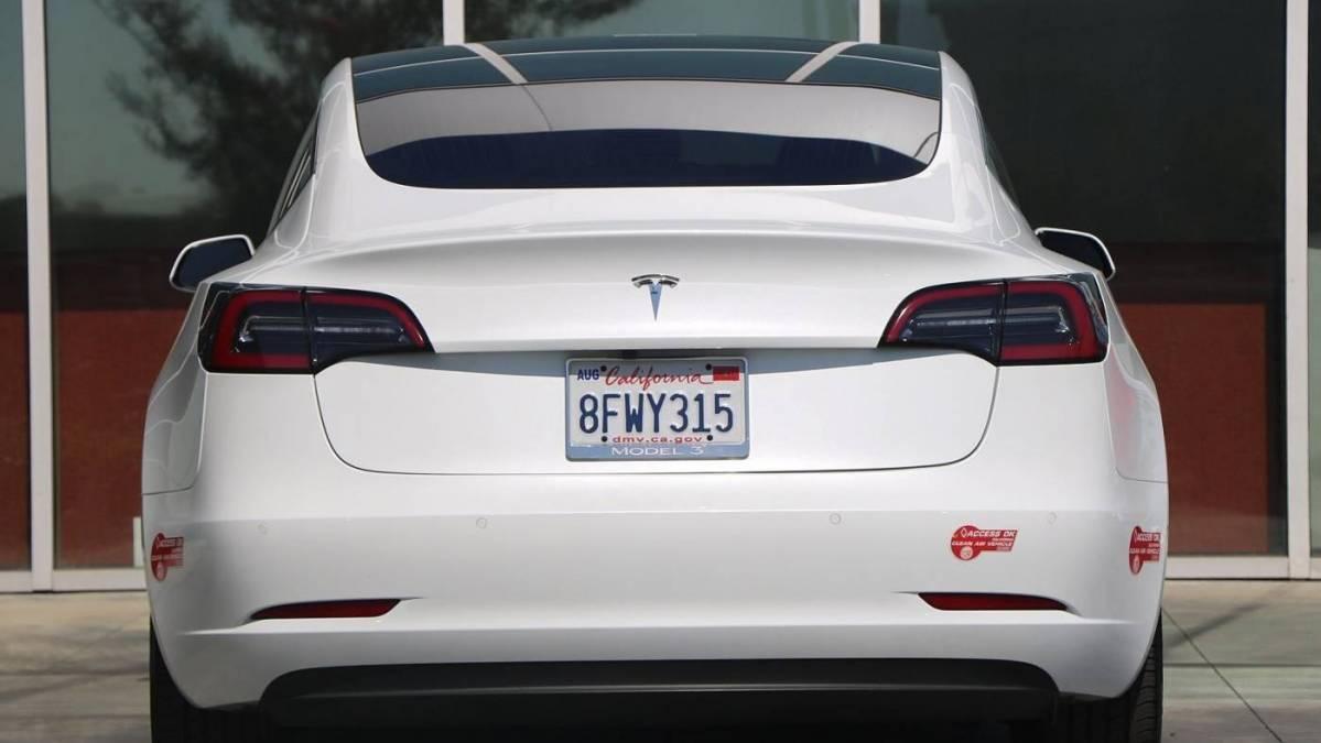 2018 Tesla Model 3 5YJ3E1EA4JF053065