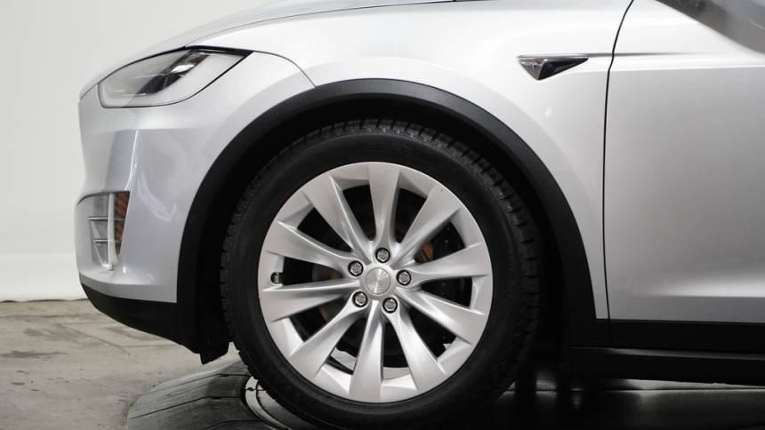 2018 Tesla Model X 5YJXCDE21JF110372