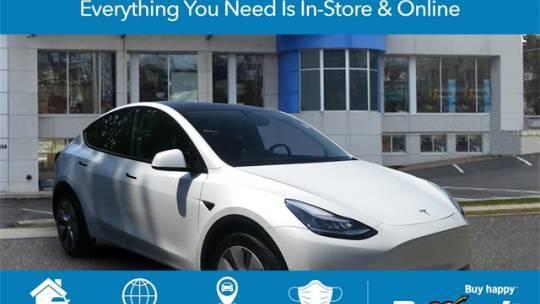 2020 Tesla Model Y 5YJYGDEE8LF013305