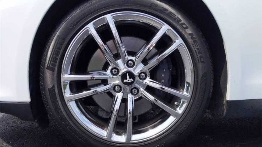 2013 Tesla Model S 5YJSA1CN6DFP21143