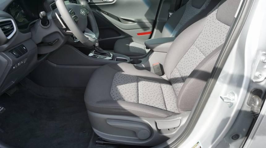 2019 Hyundai IONIQ KMHC65LD4KU181697
