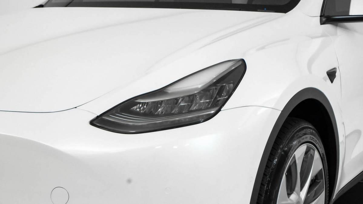 2020 Tesla Model Y 5YJYGDEE4LF027525