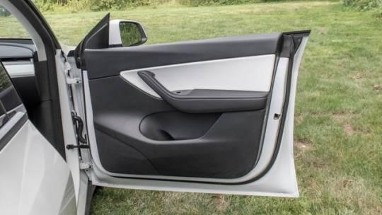2021 Tesla Model Y 5YJYGDEE0MF079882