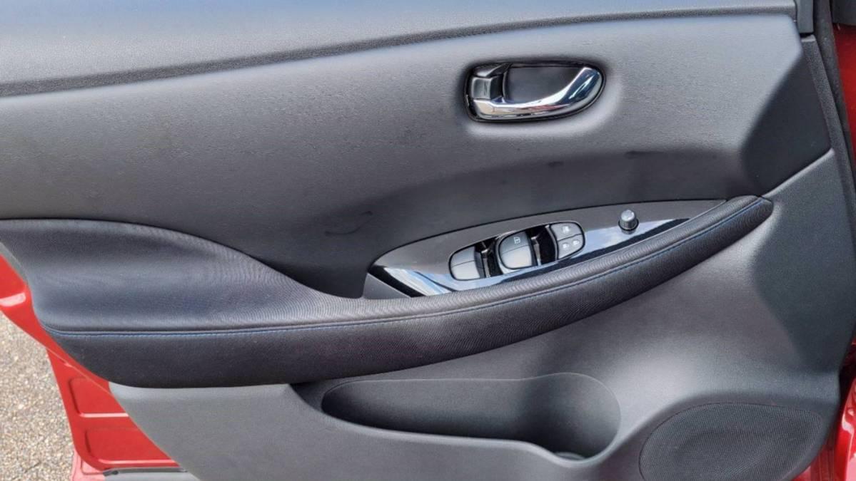 2018 Nissan LEAF 1N4AZ1CP5JC308506