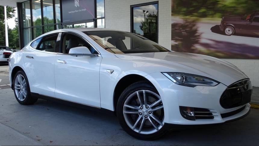 2013 Tesla Model S 5YJSA1CG3DFP10683
