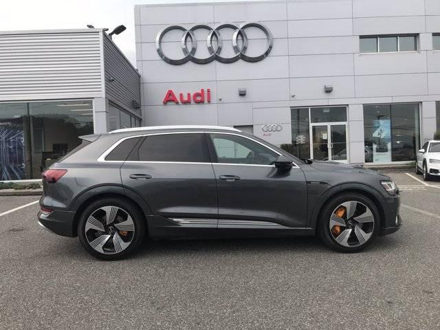 2019 Audi e-tron WA1VAAGE3KB008301