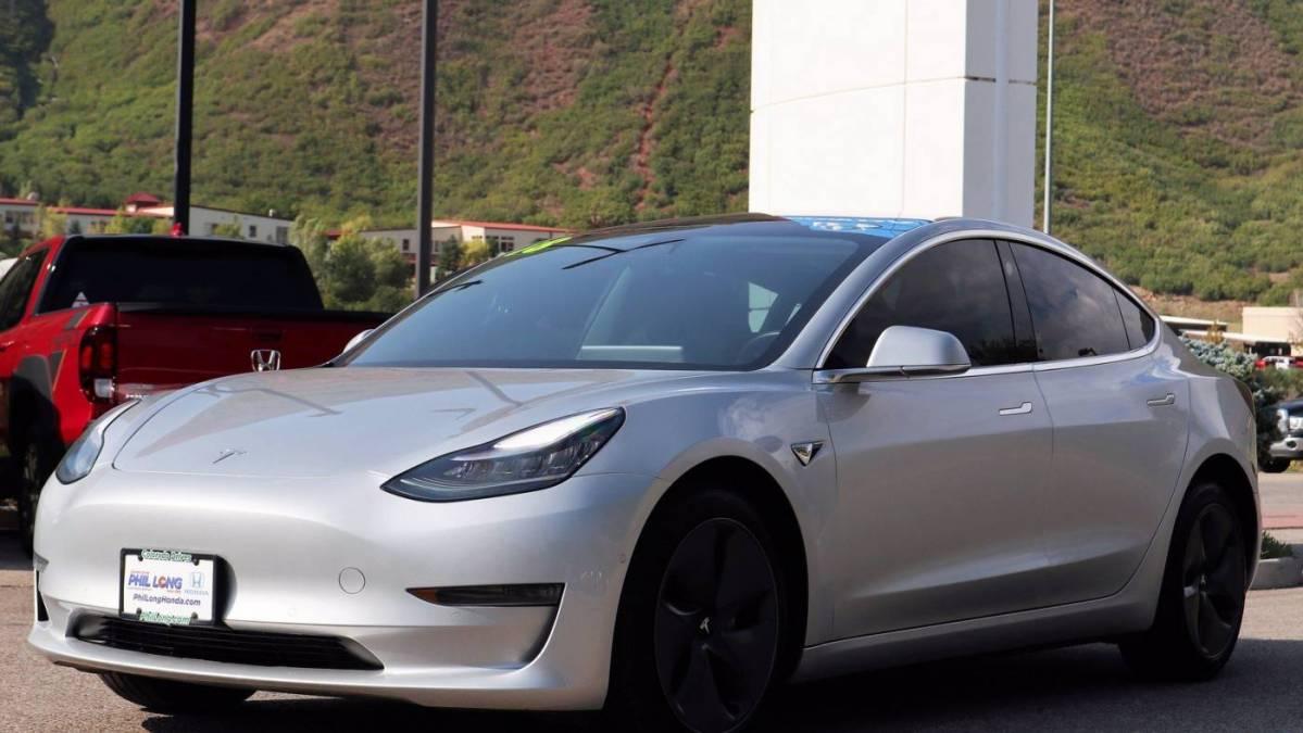 2018 Tesla Model 3 5YJ3E1EB1JF093323