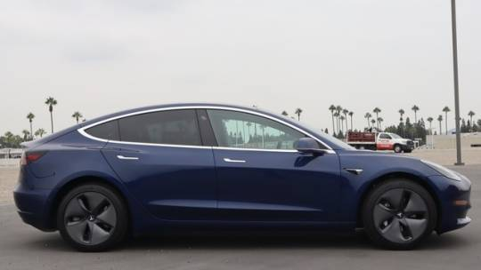 2018 Tesla Model 3 5YJ3E1EA3JF077891